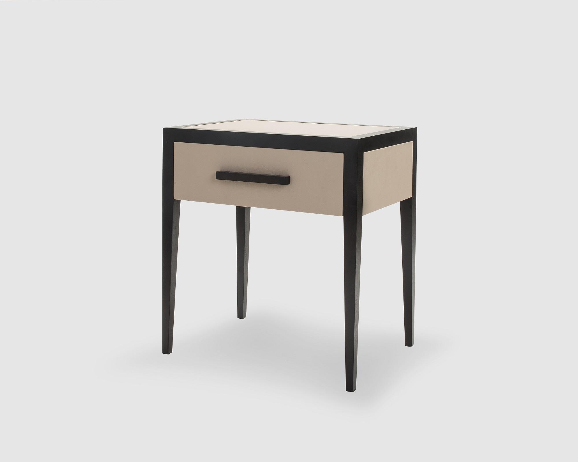 liang-eimil-liza-bedside-table-4